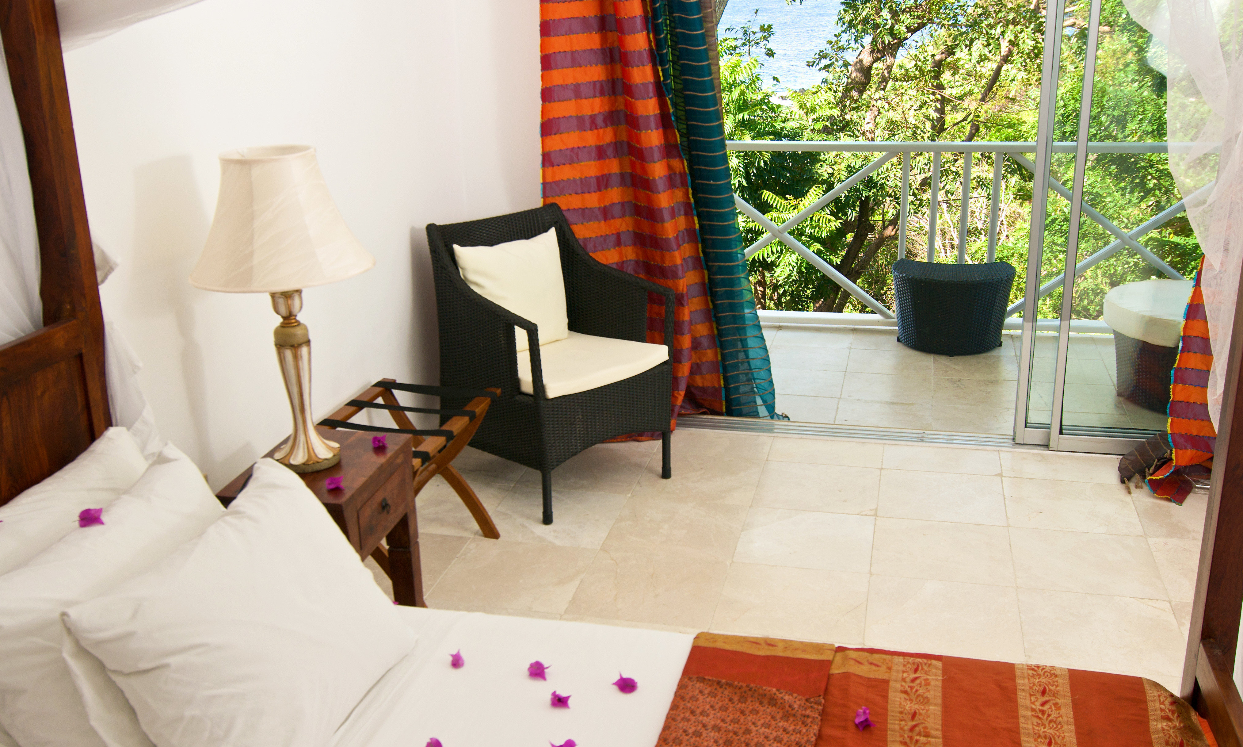 Bedroom Luxury Modern Romantic Suite property house home cottage living room Villa flooring