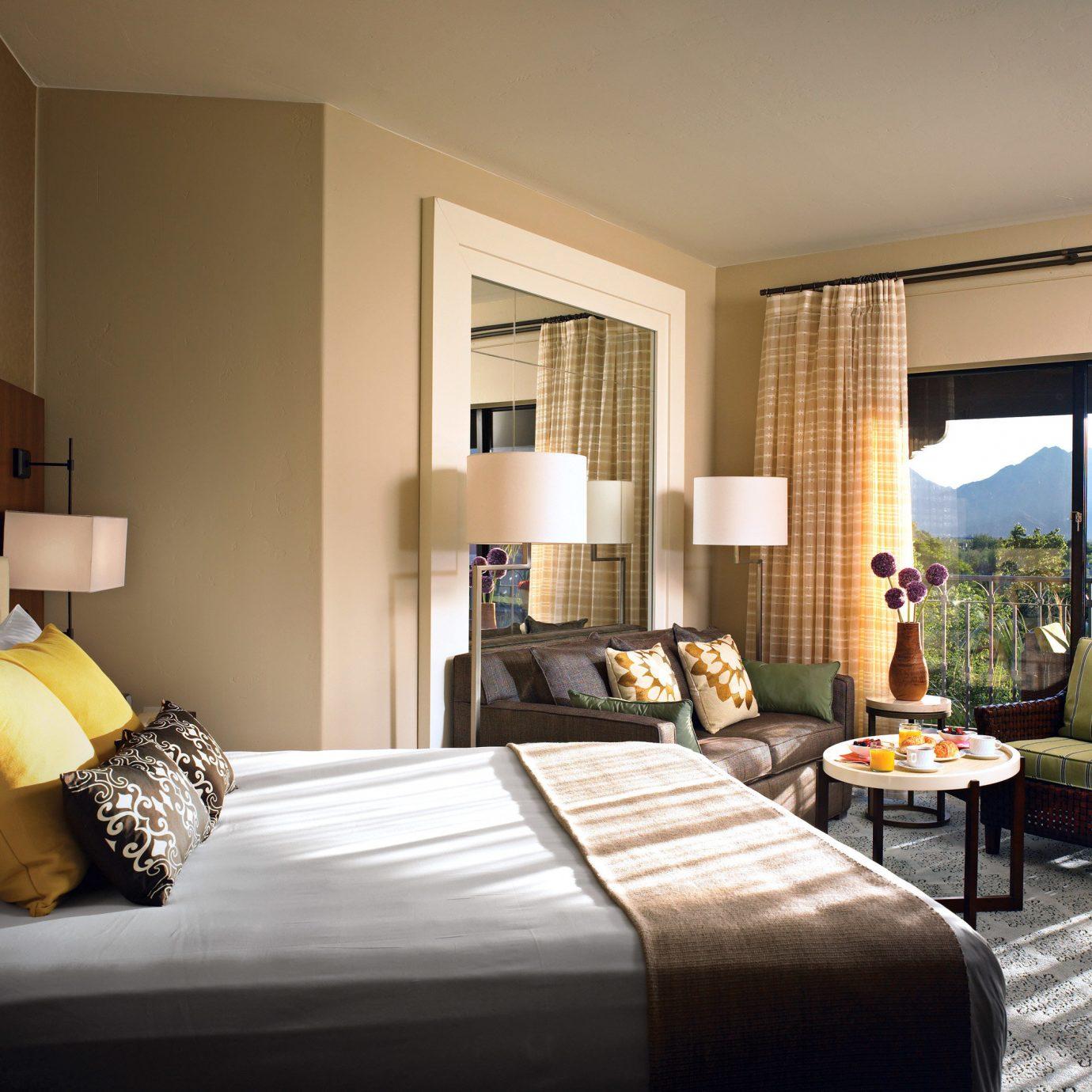 Bedroom Luxury Modern Scenic views Suite sofa property living room condominium home flat