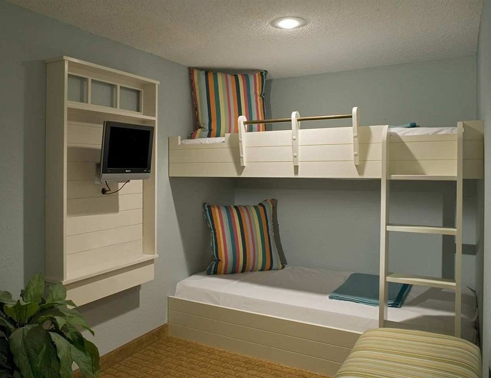 Bedroom Luxury Modern Scenic views Suite property home living room cottage bunk bed condominium dormitory