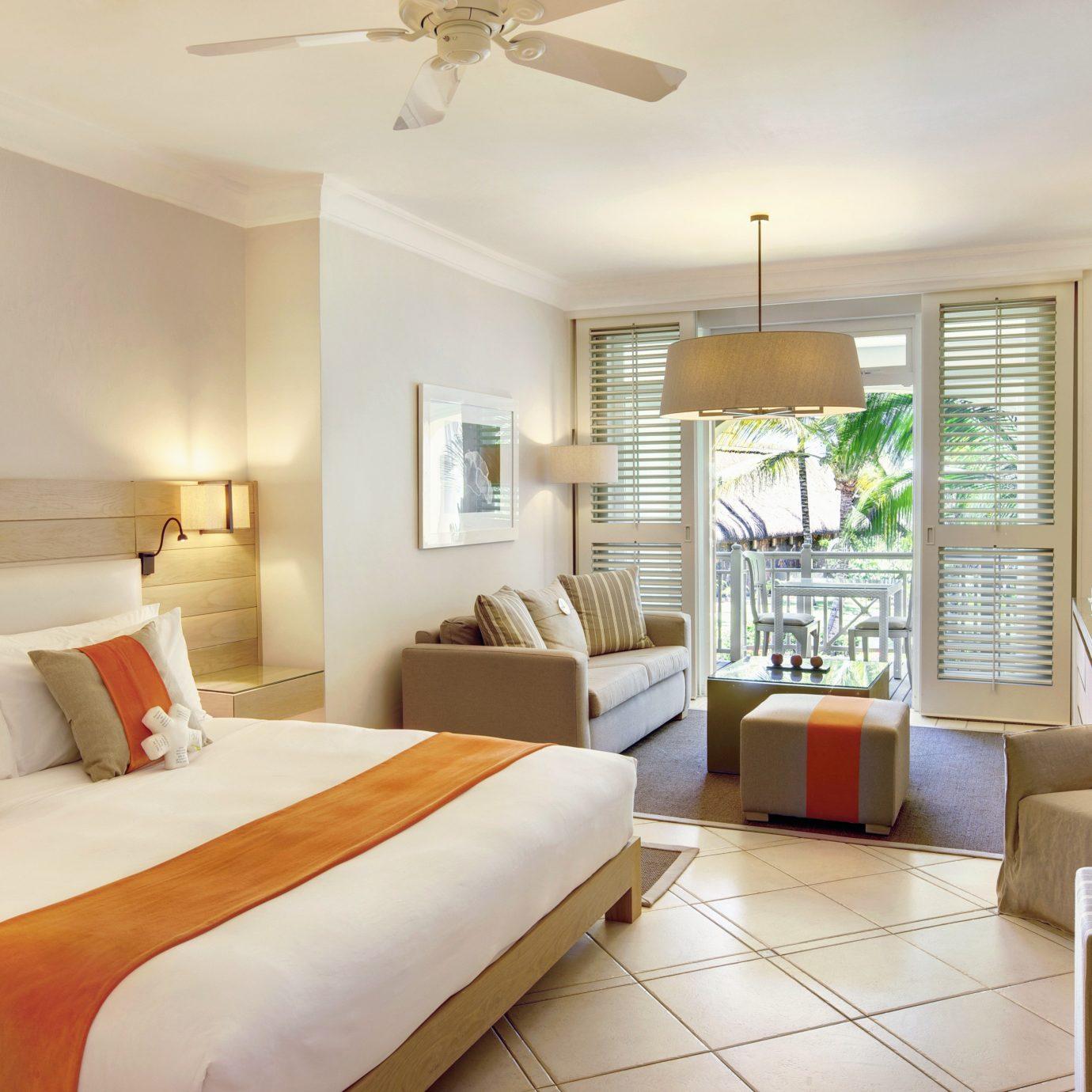 Bedroom Luxury Modern Scenic views Suite sofa property condominium living room cottage