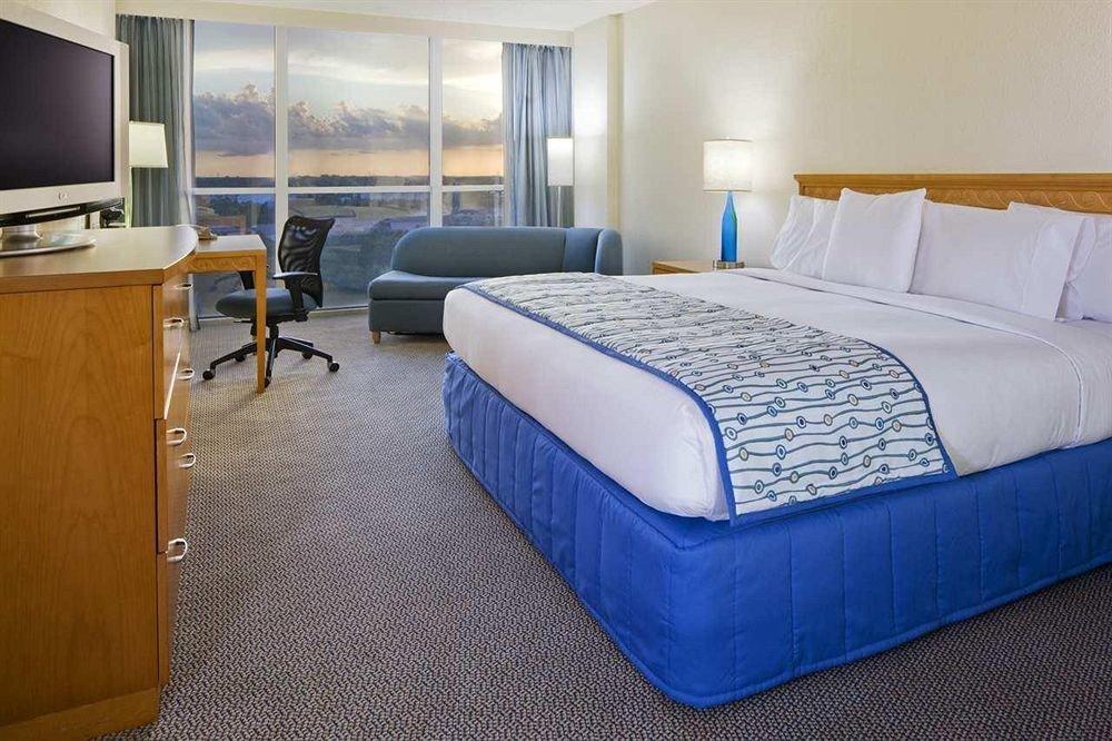 Bedroom Luxury Modern Suite property bed sheet cottage bed frame