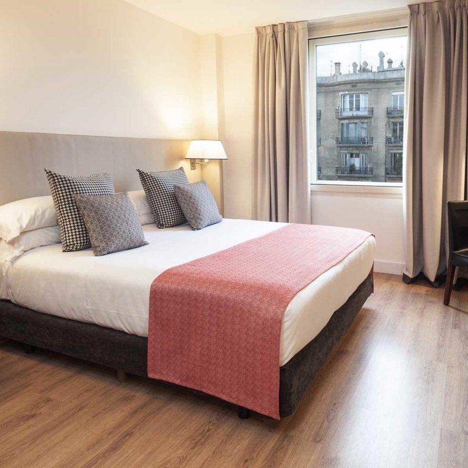 Bedroom Luxury Modern Suite property living room hardwood home cottage bed sheet condominium lamp flat