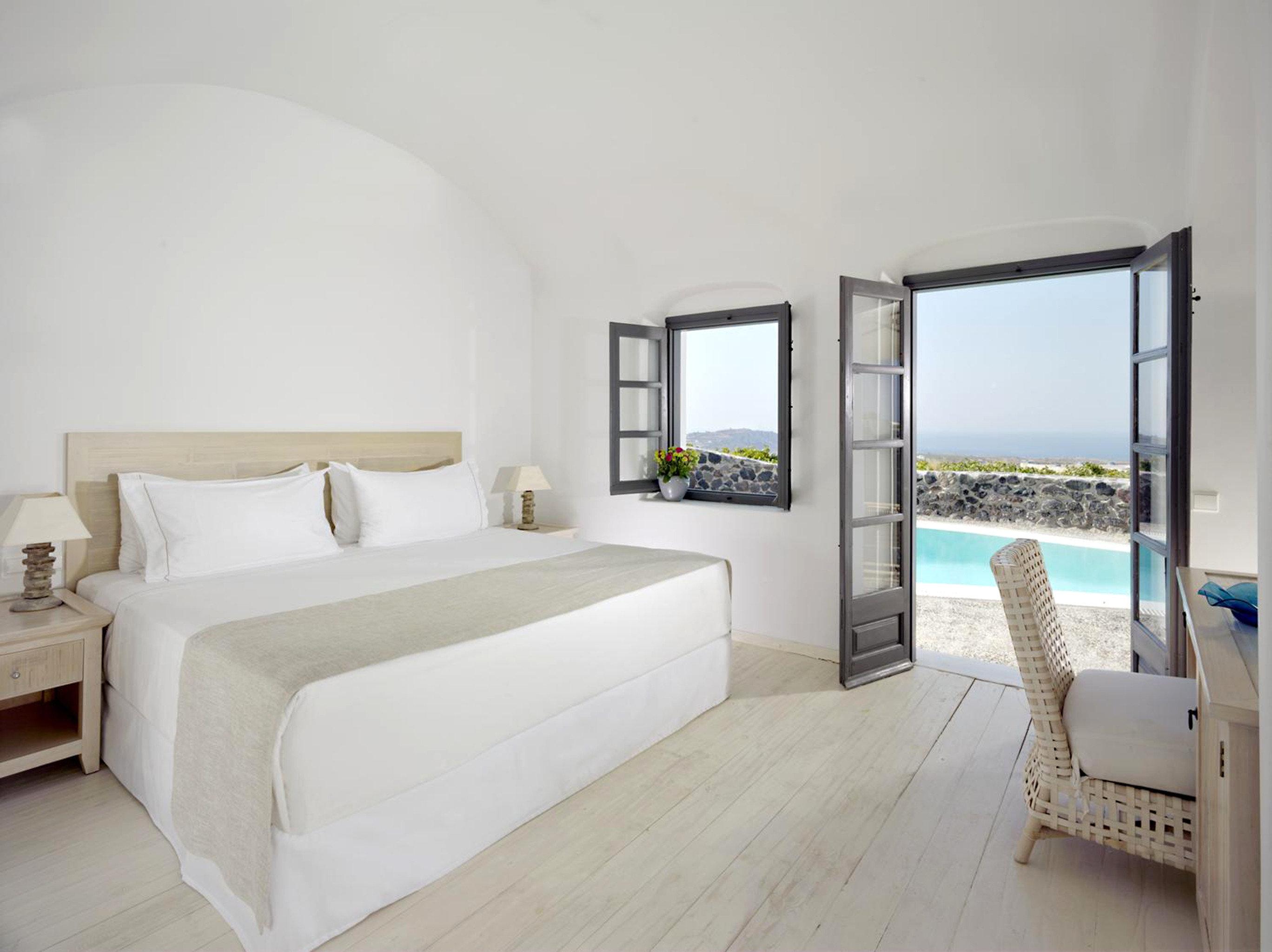 Bedroom Luxury Modern Suite property Villa cottage living room condominium bed frame