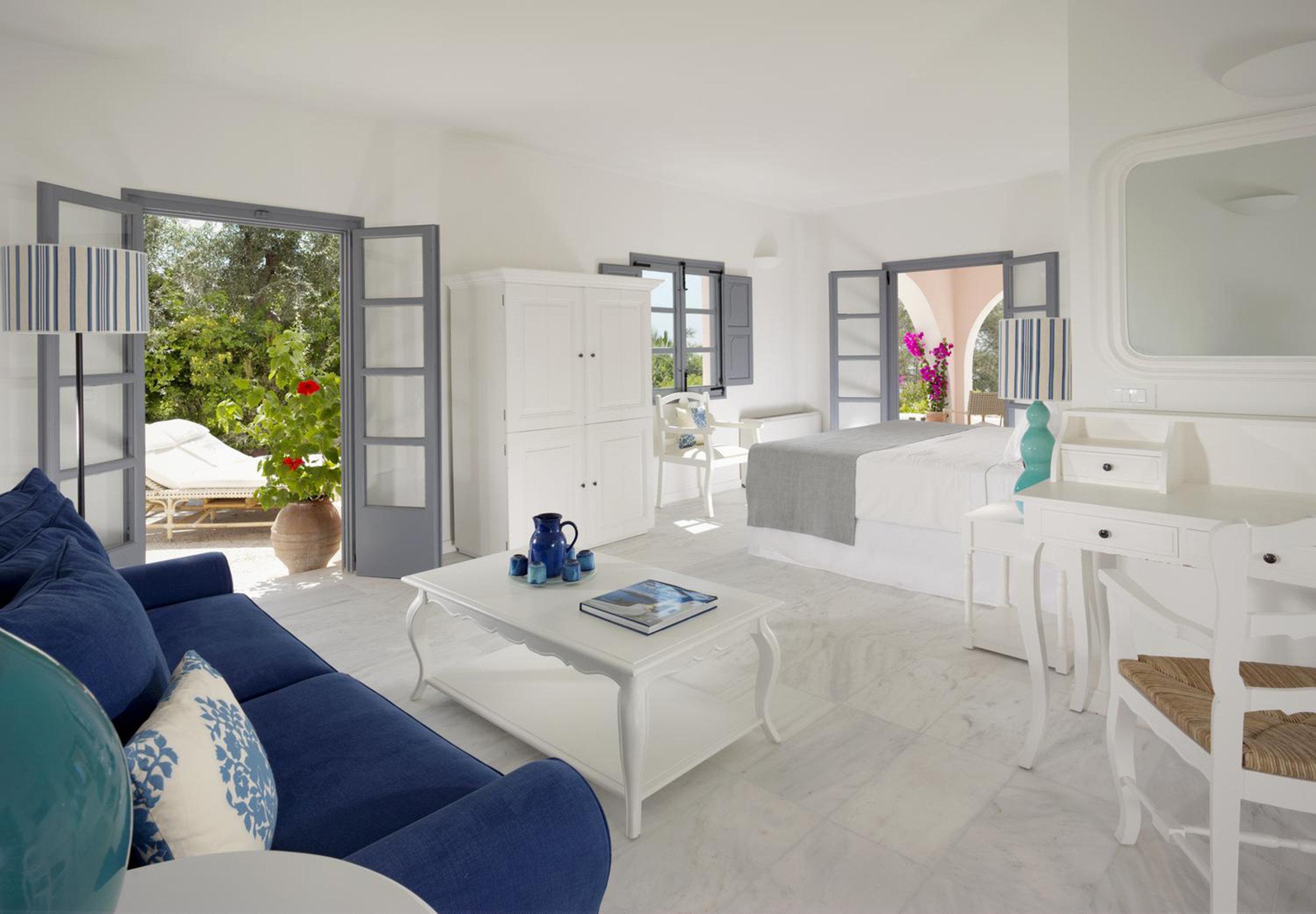 Bedroom Luxury Modern Suite property living room home house condominium cottage Villa