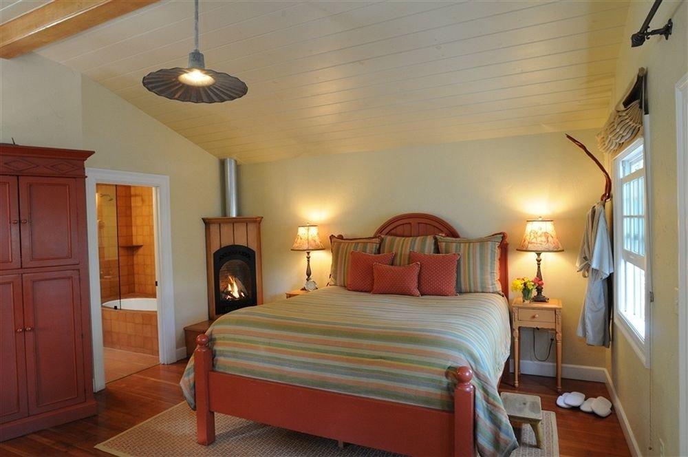 Bedroom Luxury Modern Suite property cottage Villa