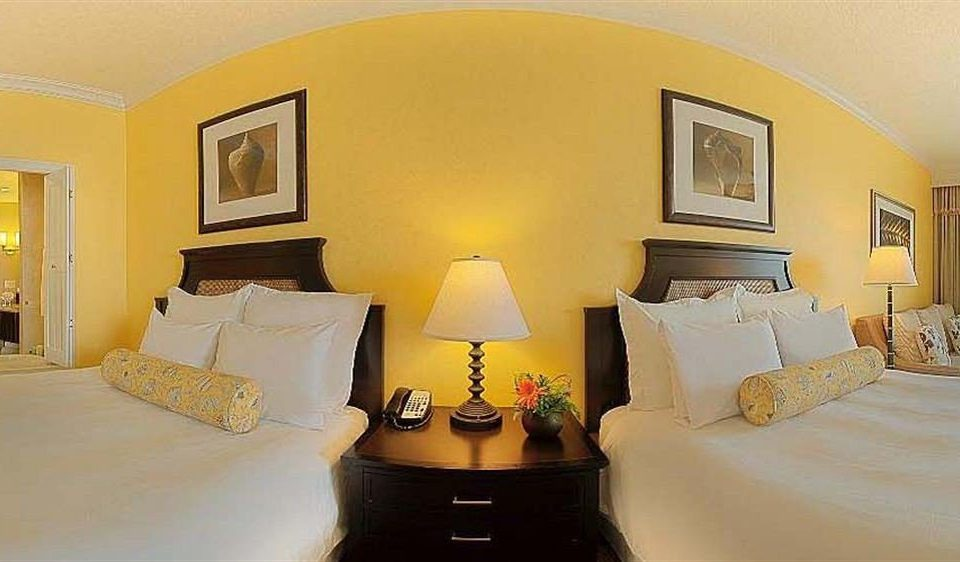 Bedroom Luxury Modern Suite property yellow scene Villa cottage pillow living room lamp