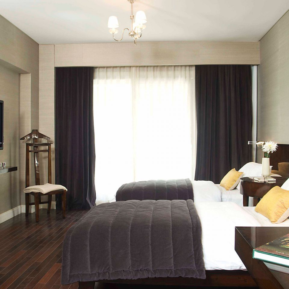 Bedroom Luxury Modern Suite sofa property living room hardwood condominium cottage flat lamp
