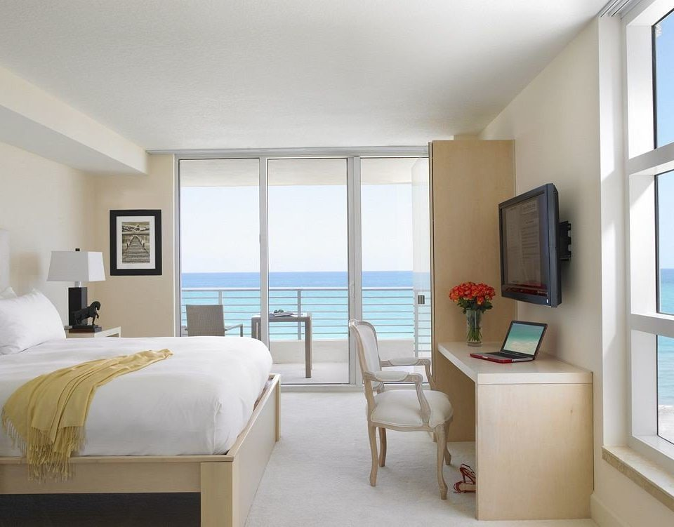 Bedroom Luxury Modern Suite property living room condominium home white cottage