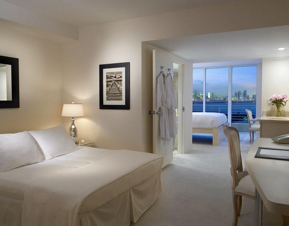 Bedroom Luxury Modern Suite property white condominium cottage