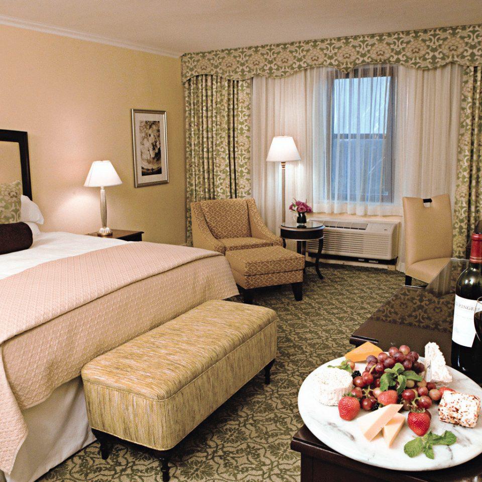 Bedroom Luxury Modern Suite property cottage living room bed sheet