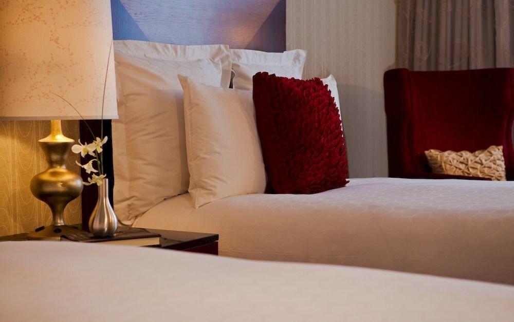 Bedroom Luxury Modern Suite living room pillow bed sheet sofa seat lamp