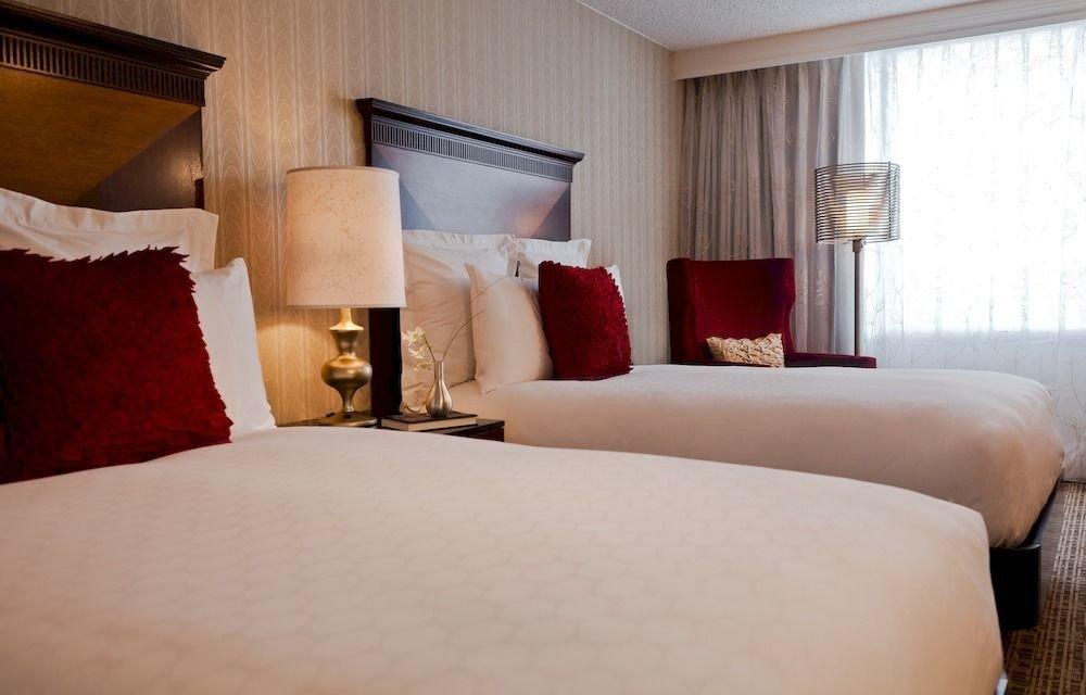 Bedroom Luxury Modern Suite sofa property pillow bed sheet cottage orange night lamp