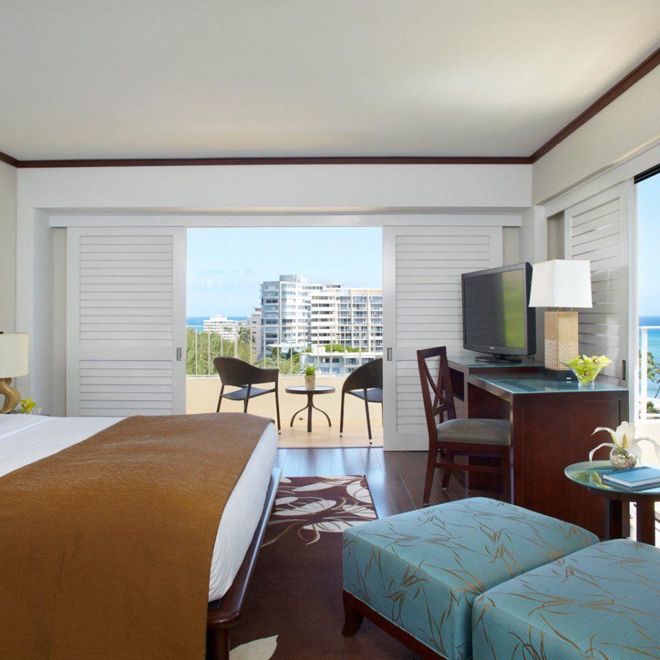 Bedroom Luxury Patio Scenic views Tropical sofa property home living room Suite condominium cottage Villa