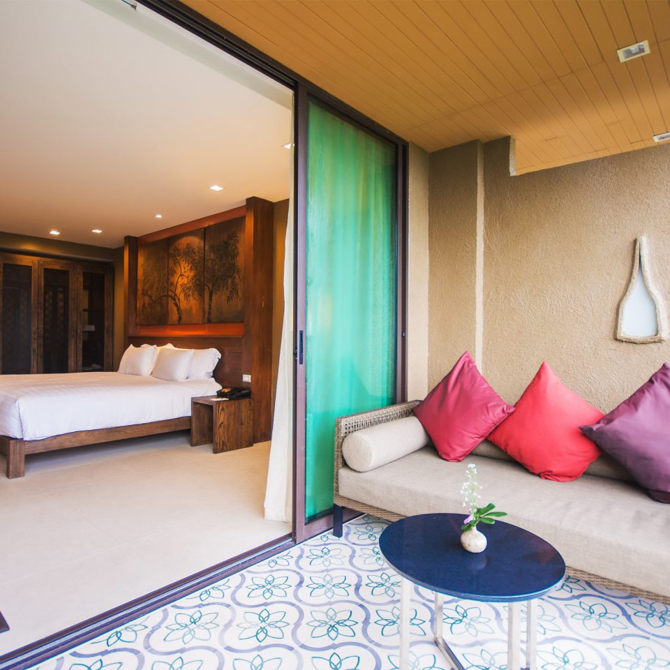 Bedroom Luxury Patio Suite property living room cottage Villa condominium