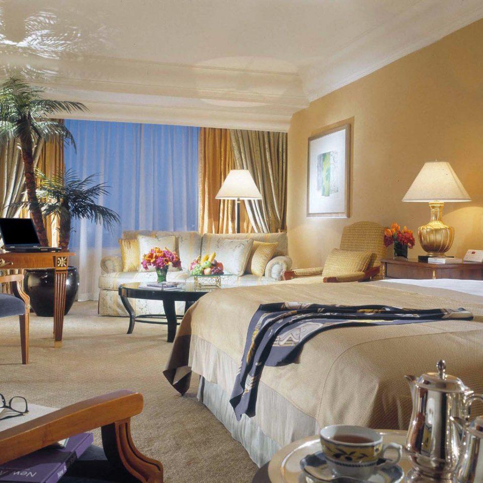 Bedroom Luxury Romance property Suite Villa home cottage Resort living room