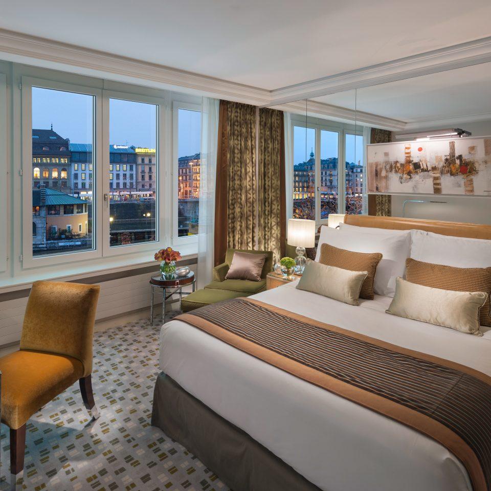 Bedroom Luxury Resort Scenic views property condominium living room Suite home cottage Villa mansion