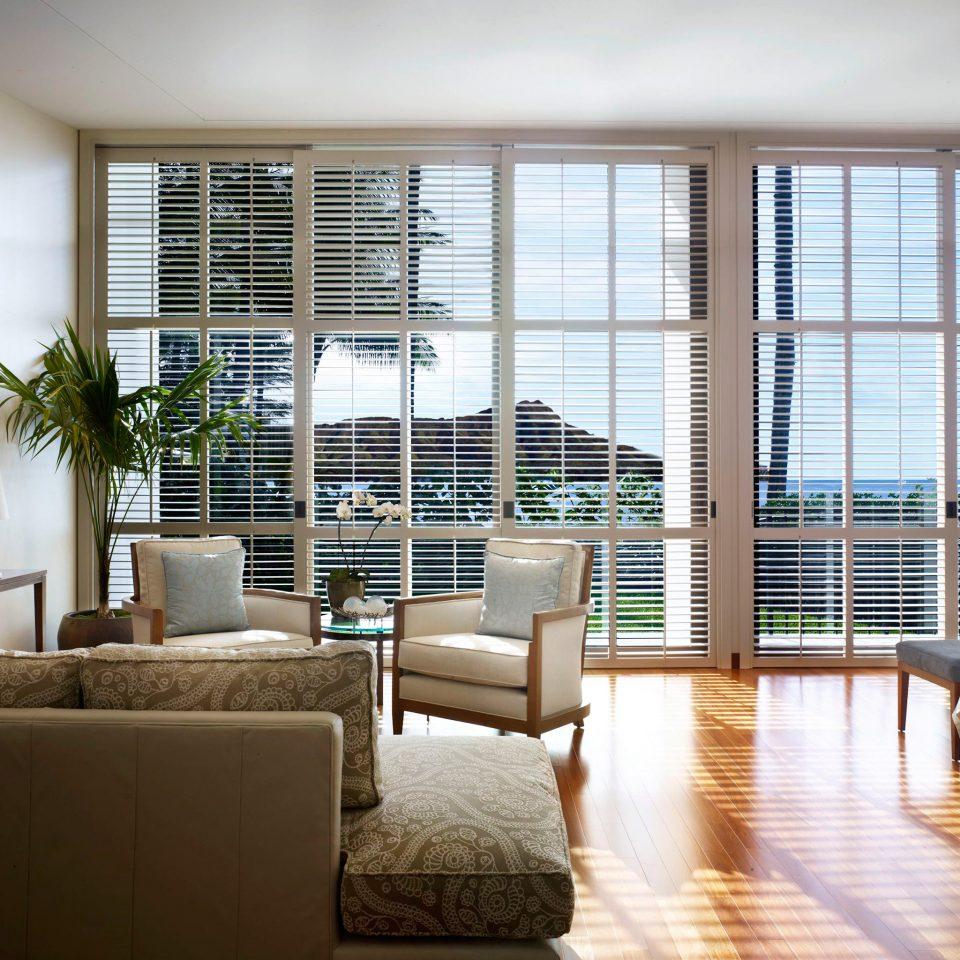 Bedroom Luxury Resort Scenic views Trip Ideas sofa property building condominium living room home nice window treatment
