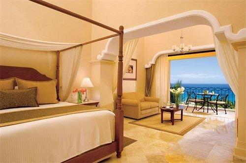 Bedroom Luxury Suite property Villa Resort cottage condominium