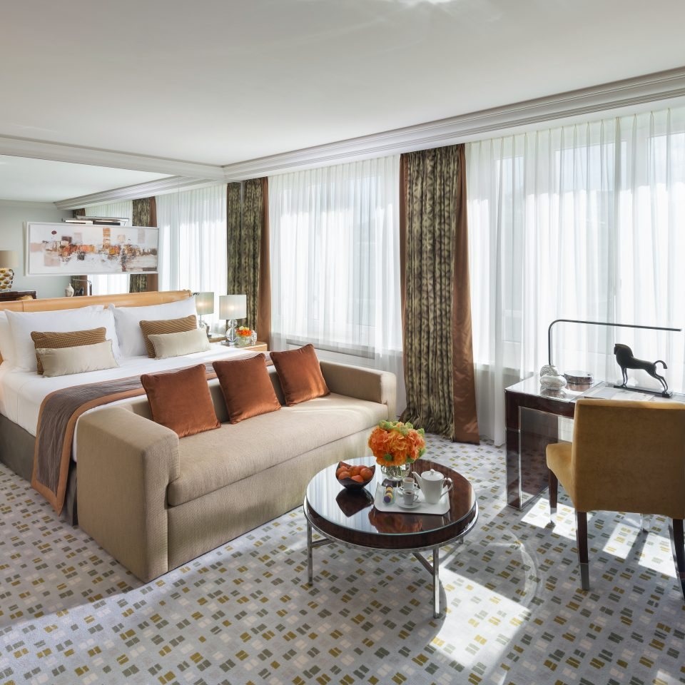 Bedroom Luxury Resort property living room home condominium Suite cottage Villa