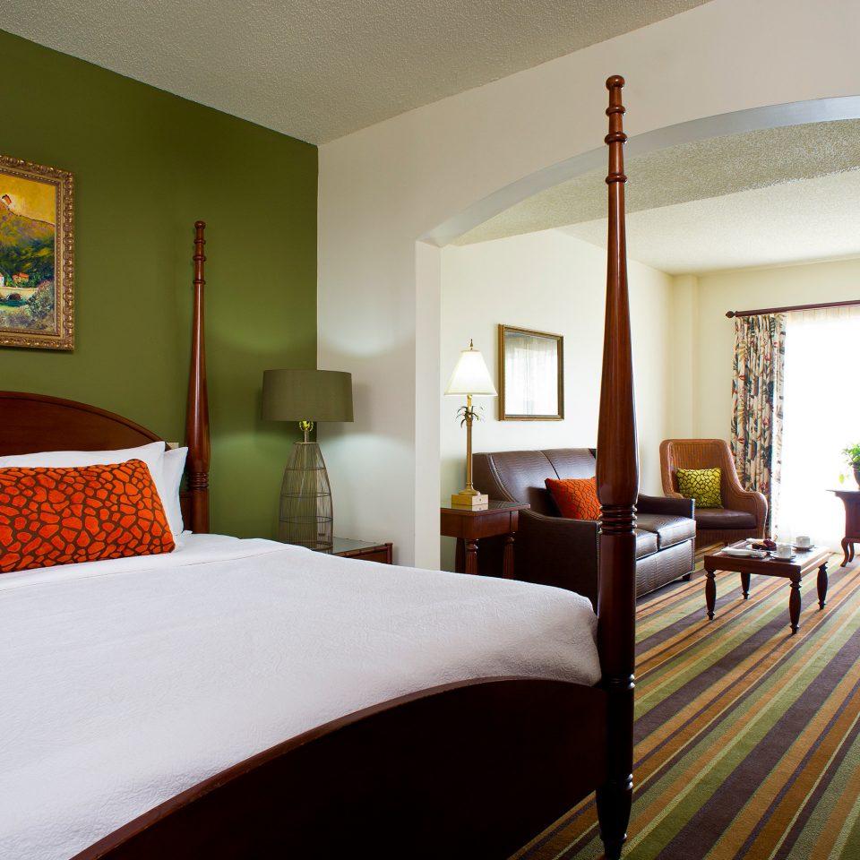 Bedroom Luxury Suite property Villa Resort cottage living room flat