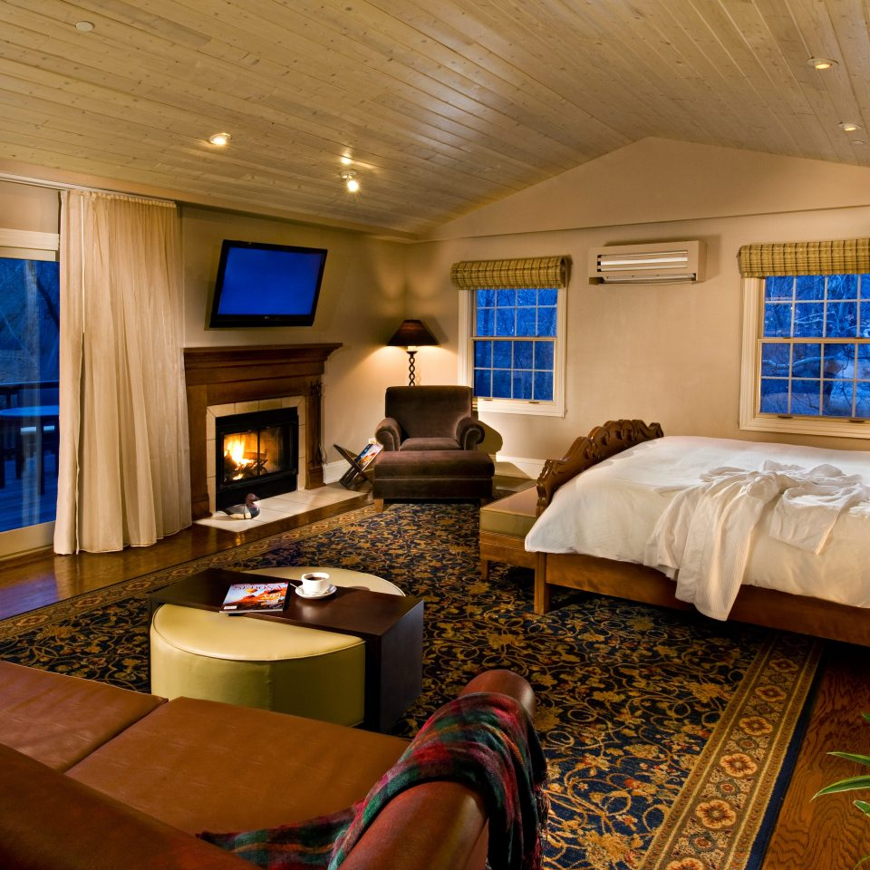 Bedroom Luxury Romance Romantic property living room home recreation room Suite cottage