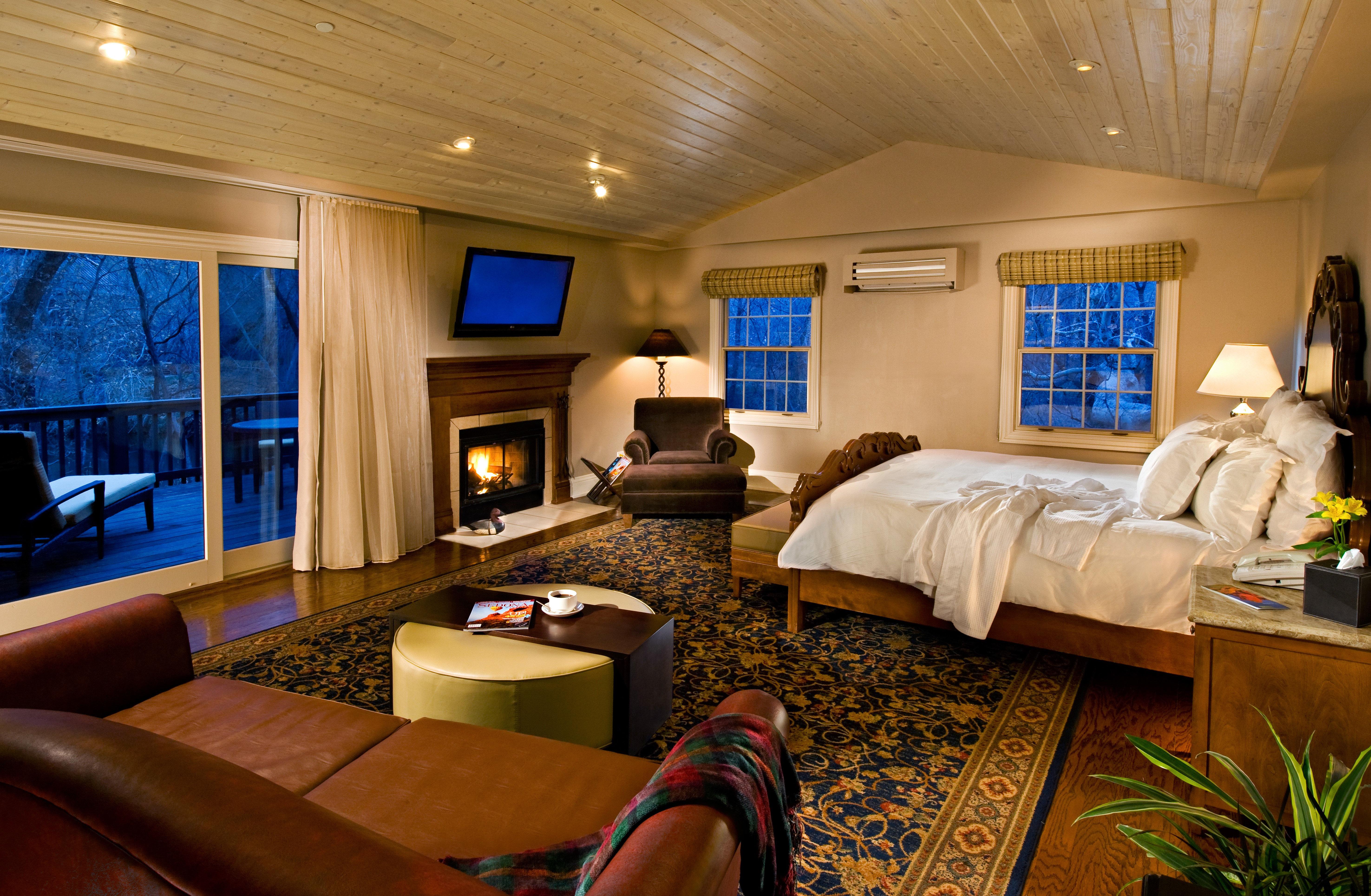 Bedroom Luxury Romance Romantic property living room home recreation room Suite cottage