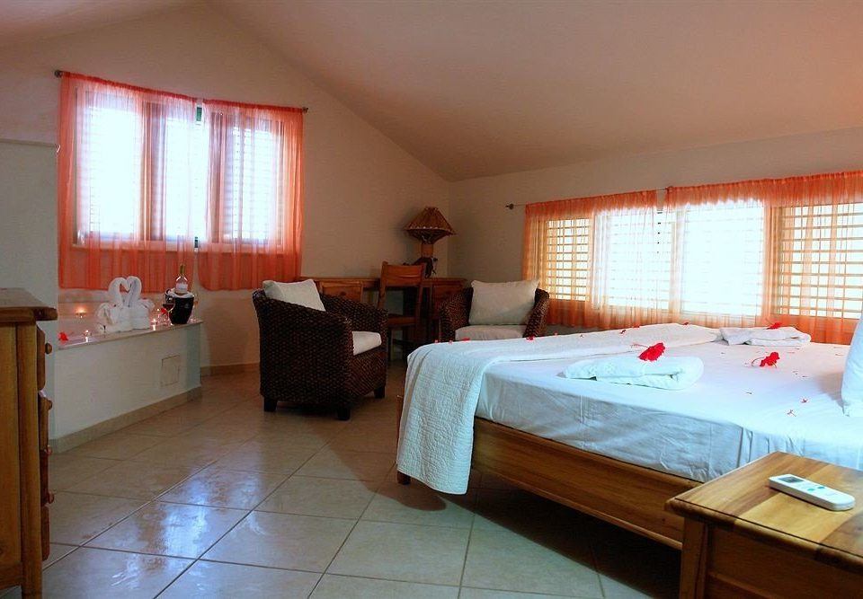 Bedroom Luxury Romantic Scenic views Suite property cottage hardwood Villa
