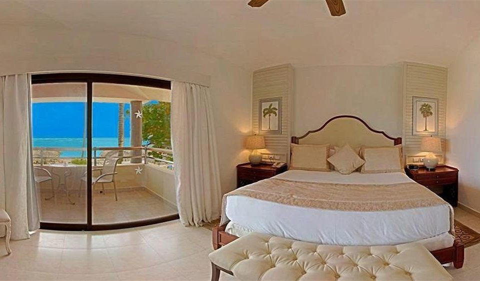 Bedroom Luxury Romantic Scenic views Suite Tropical property cottage Villa
