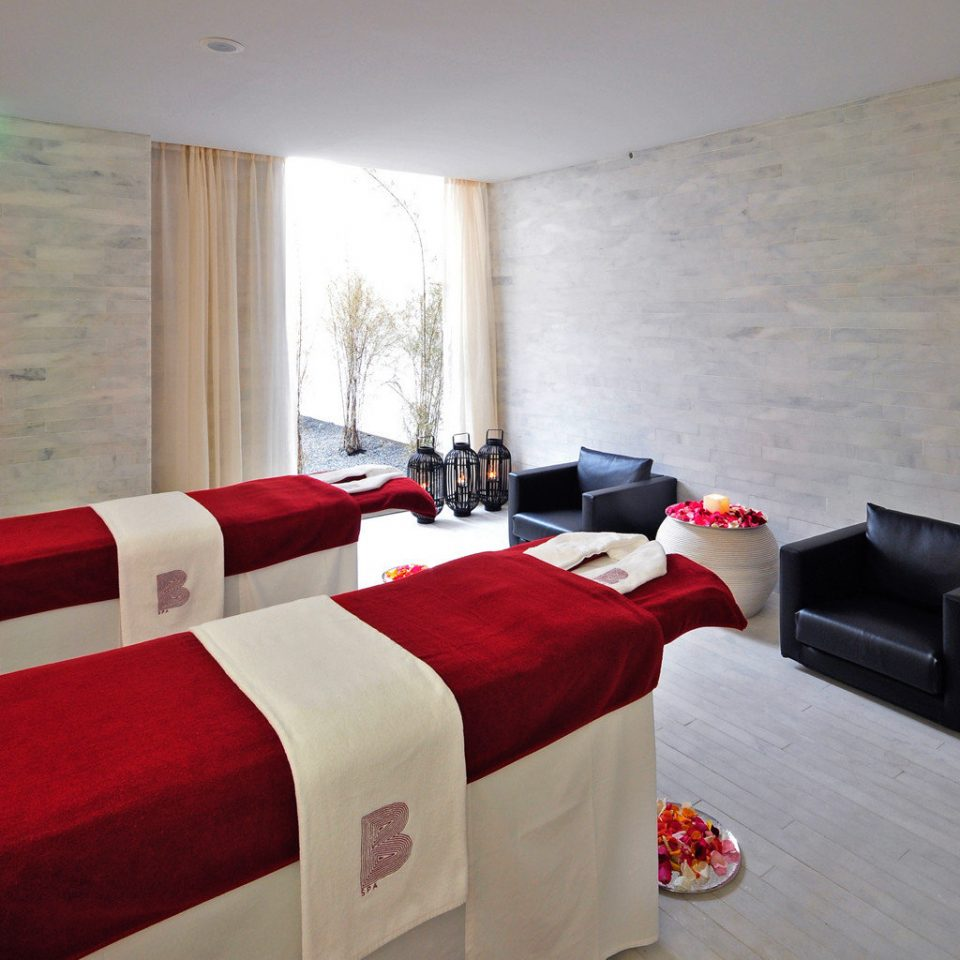 Luxury Romantic Spa sofa red property Suite cottage Bedroom