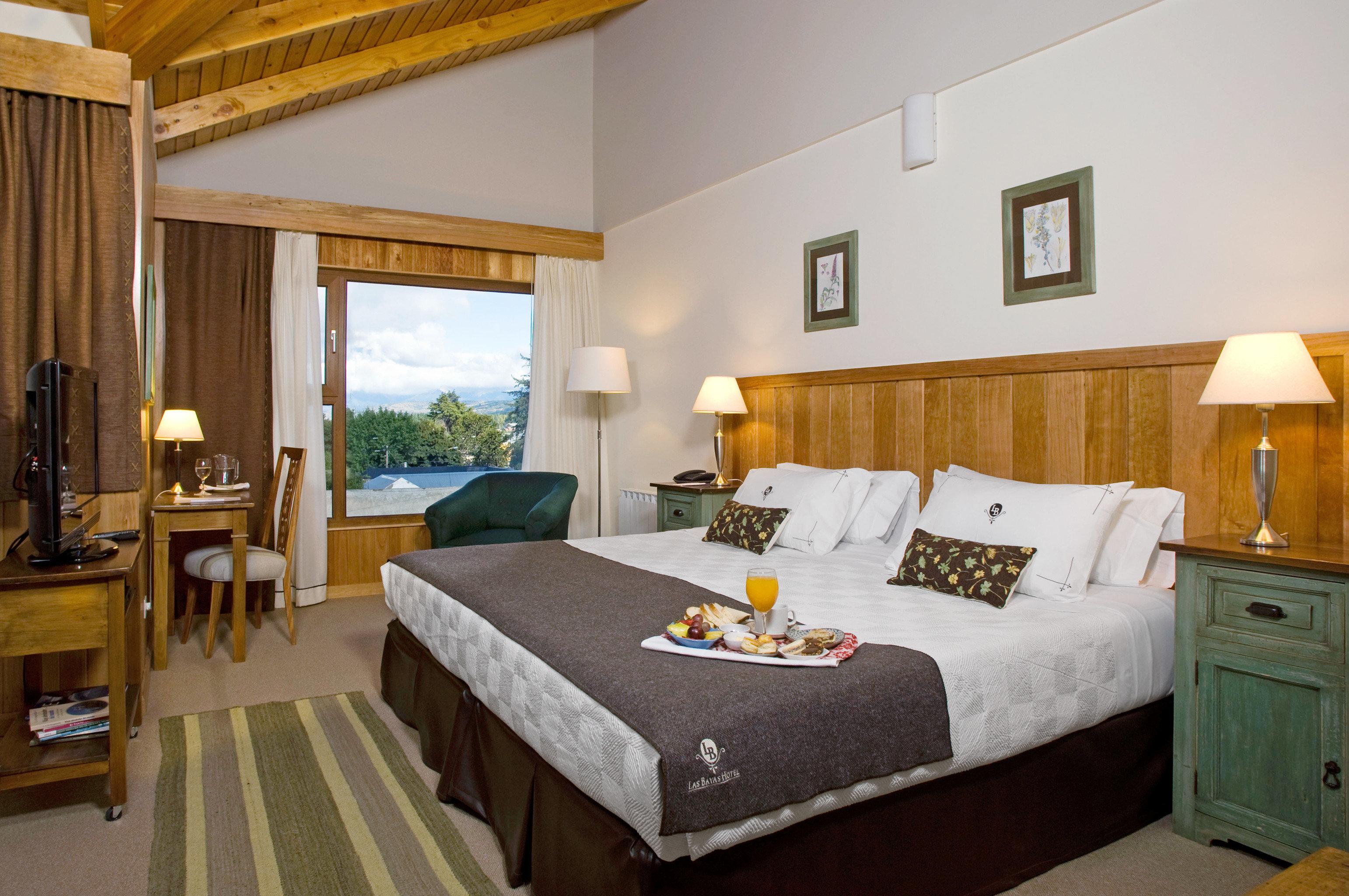 Bedroom Luxury Romantic Suite property cottage Villa home