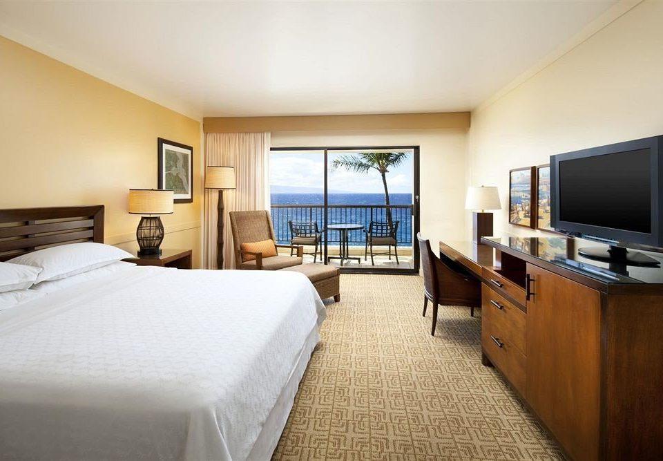 Bedroom Luxury Scenic views Suite property condominium home cottage living room flat