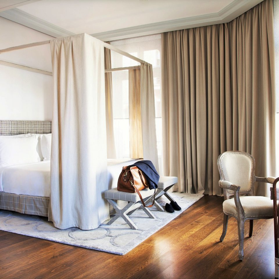 Bedroom Luxury Scenic views Suite property living room home condominium cottage