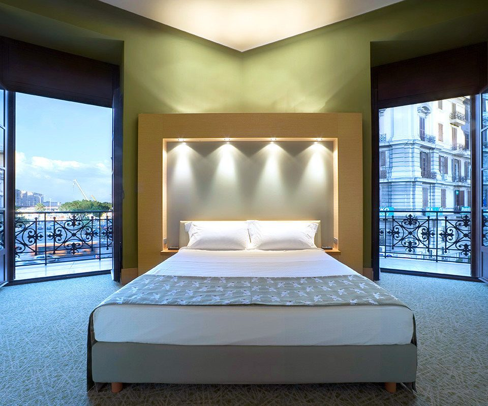 Bedroom Luxury property Suite condominium bed frame