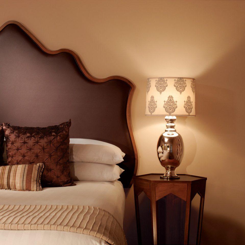 Bedroom Luxury Suite lighting living room pillow lamp