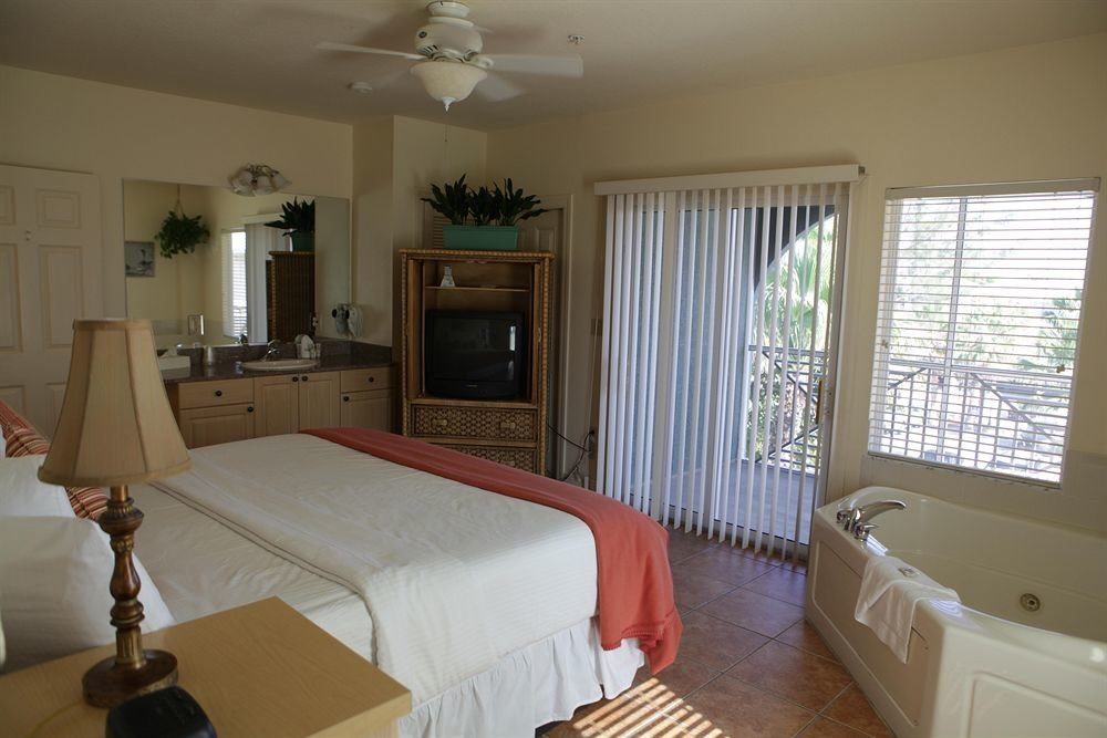 Bedroom Luxury Suite property cottage home condominium Villa