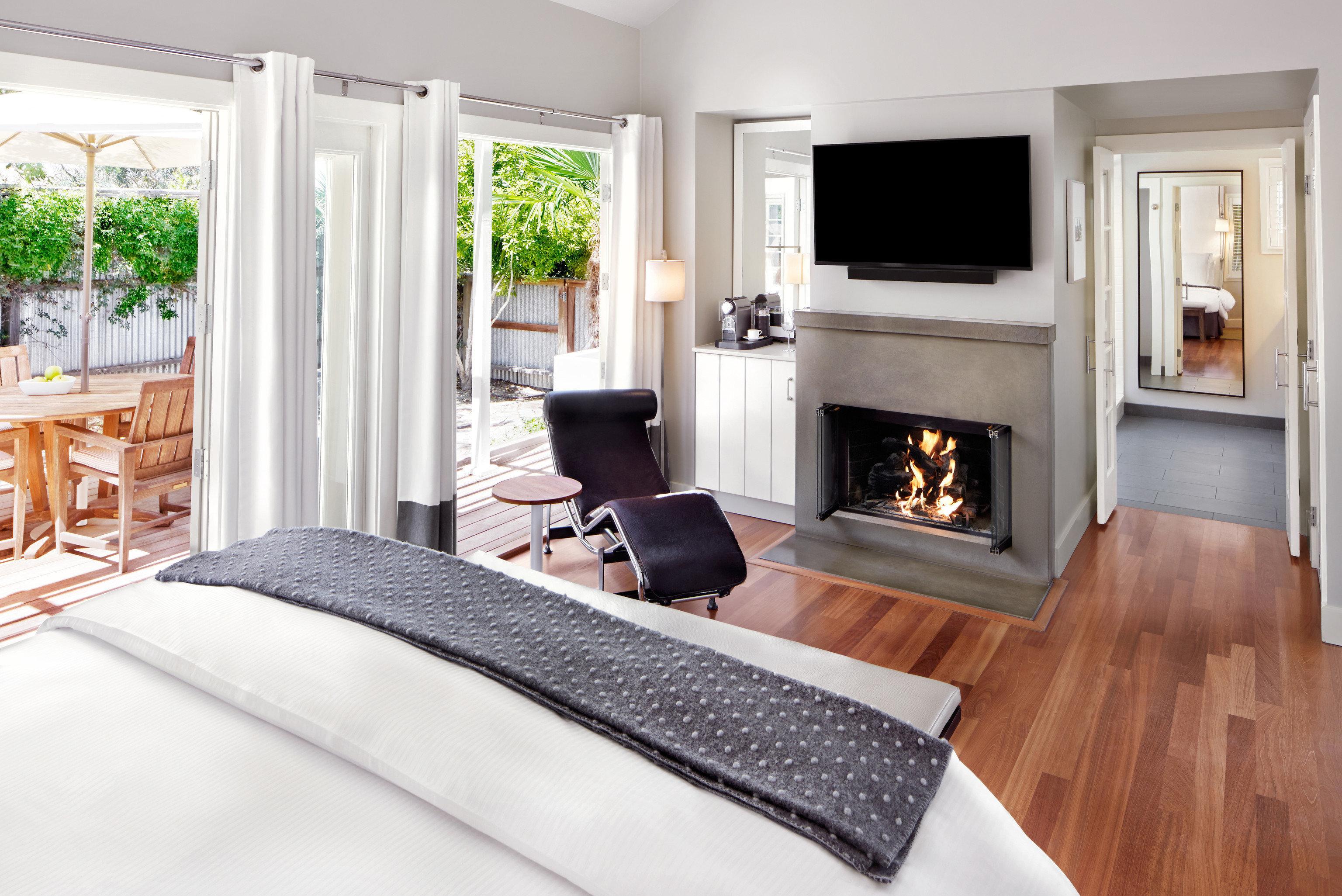 property Bedroom home hardwood cottage living room bed sheet Modern