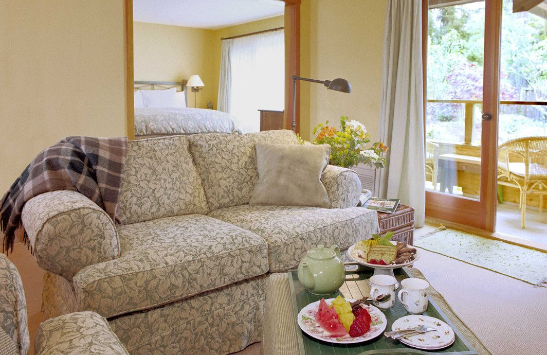 Bedroom Modern Outdoors Rustic Scenic views Sport Suite Wellness living room property home hardwood cottage flooring