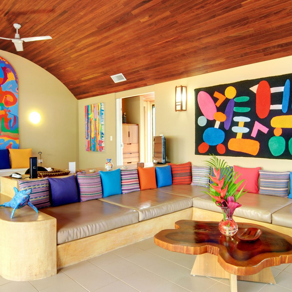 Bedroom Modern Resort property living room recreation room Play home mural colorful colored