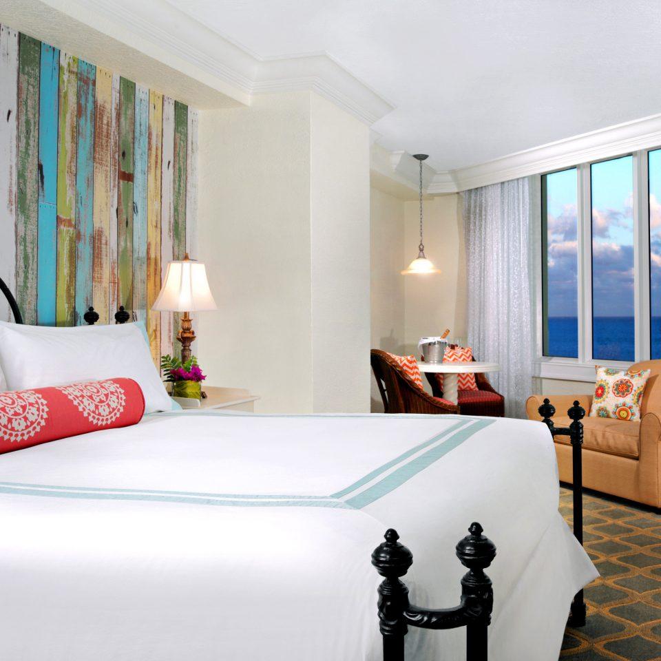 Bedroom Modern Resort Scenic views Waterfront property Suite cottage home Villa flat
