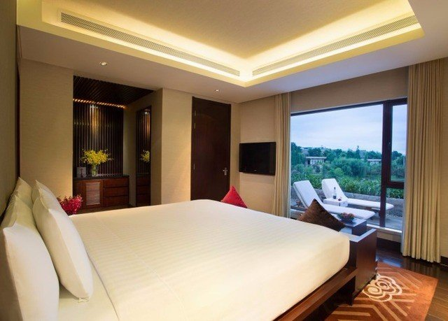 property Suite Bedroom condominium Resort Villa Modern flat lamp