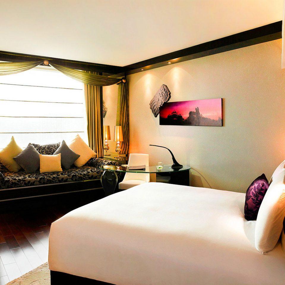 Bedroom Modern Resort property Suite cottage living room