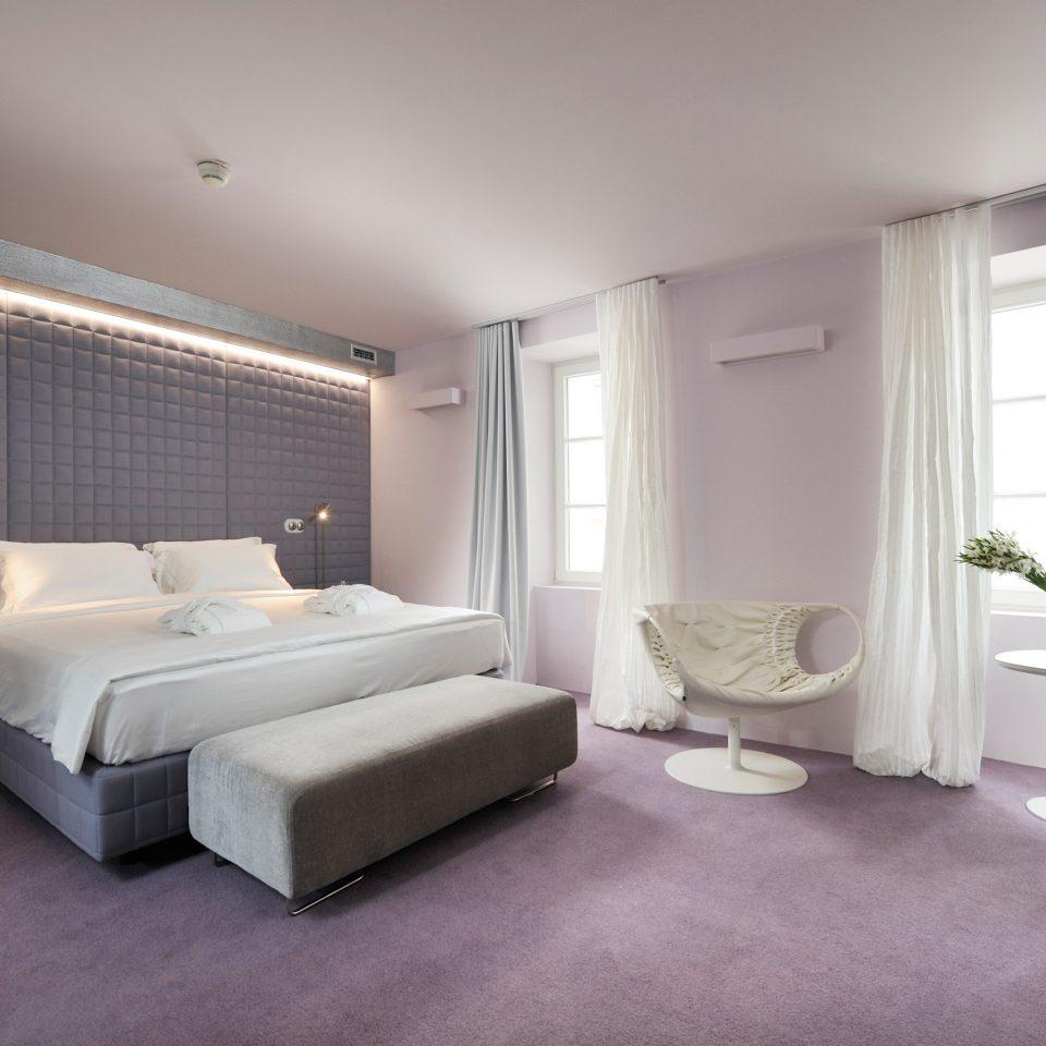 Bedroom Modern Resort property living room condominium home Suite