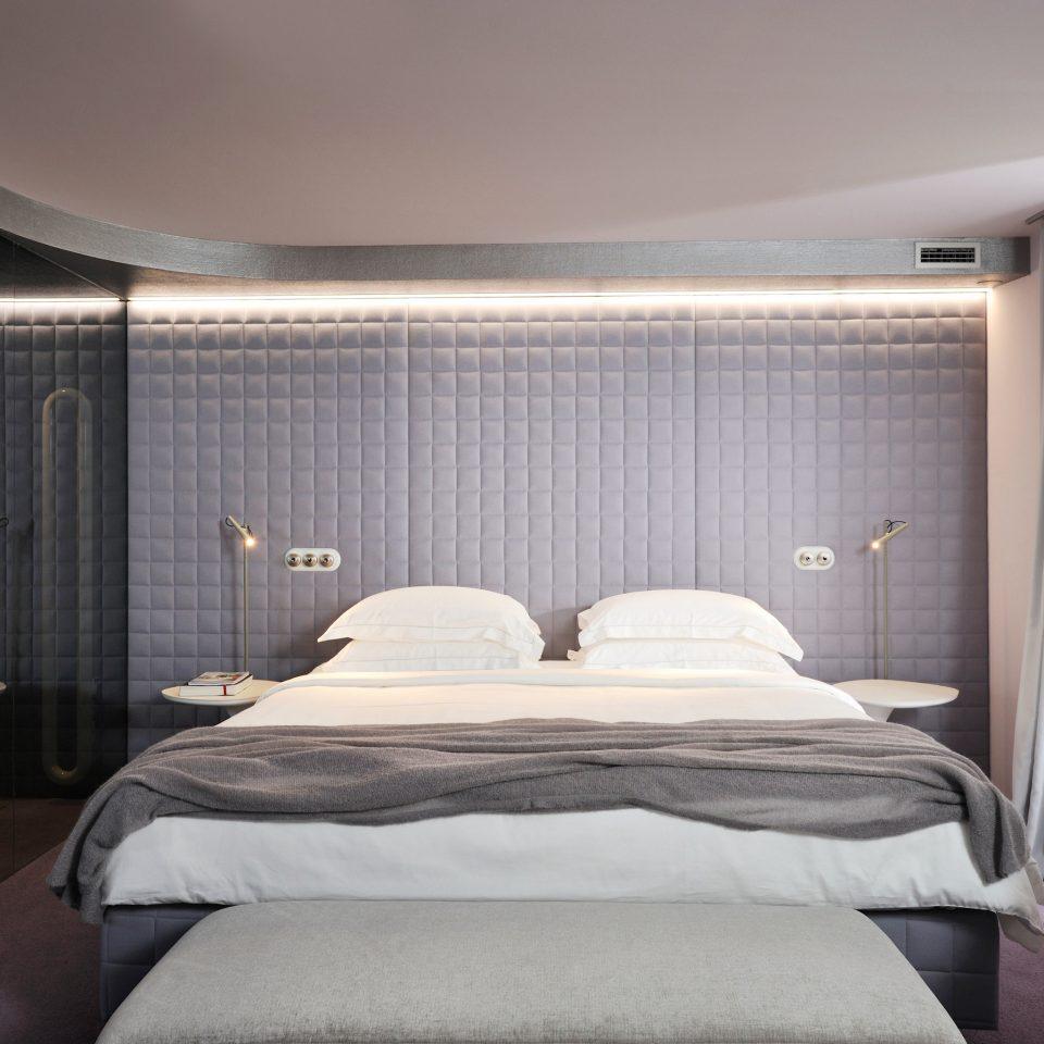 Bedroom Modern Resort property Suite