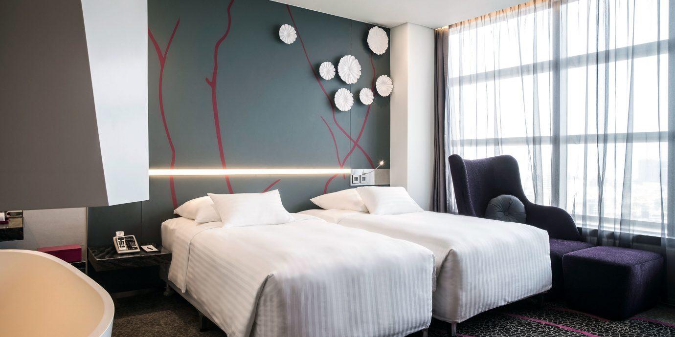 Bedroom Modern Resort property Suite living room