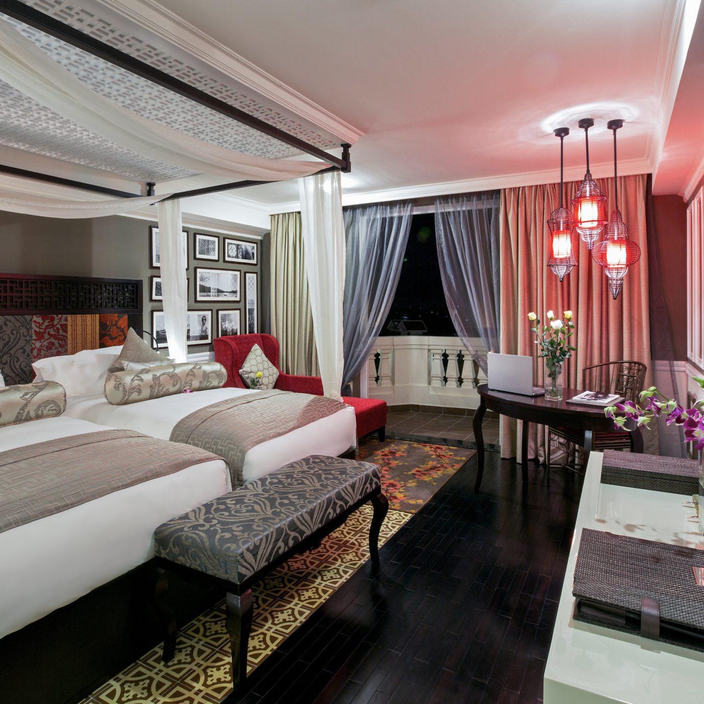 Bedroom Modern Resort property living room home vehicle Suite