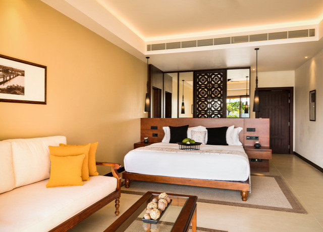 sofa property Suite condominium living room Bedroom Villa Resort Modern flat