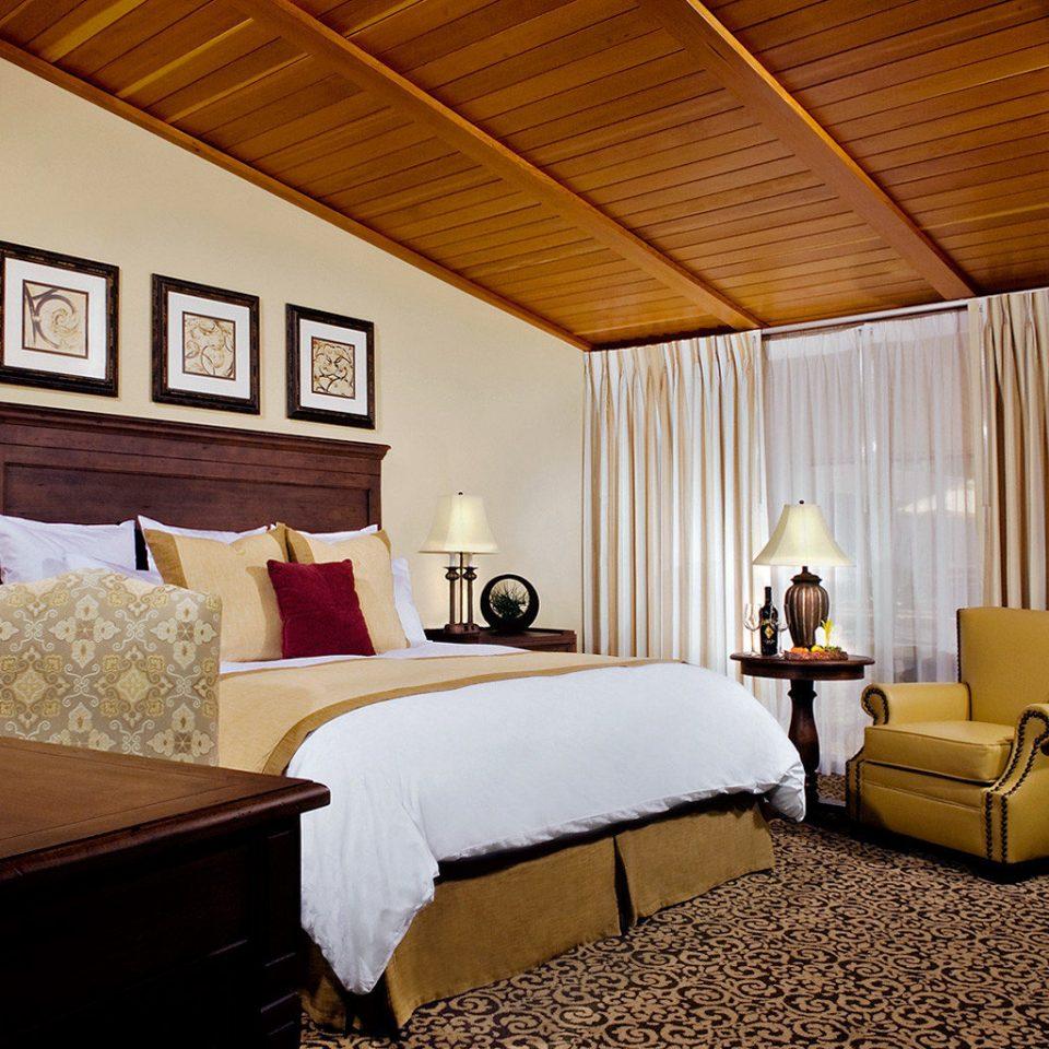 Bedroom Modern Resort property Suite living room home cottage