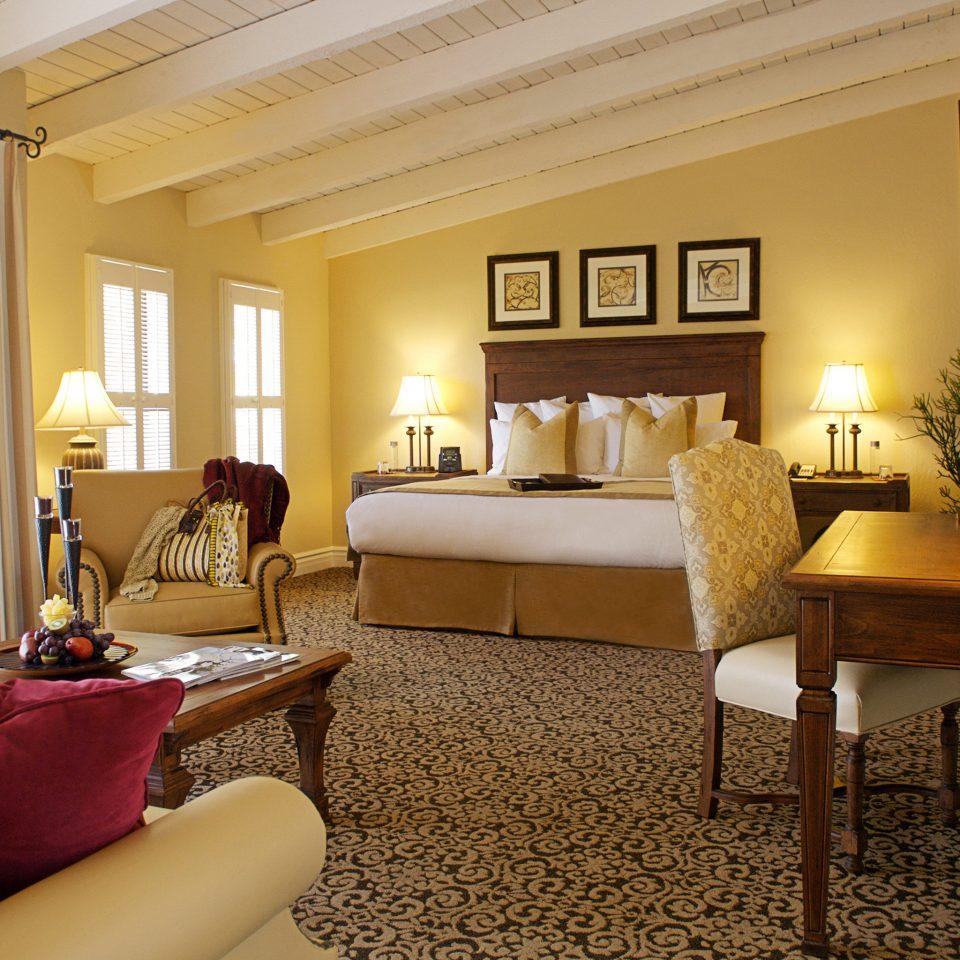 Bedroom Modern Resort sofa property Suite living room home cottage Villa flat