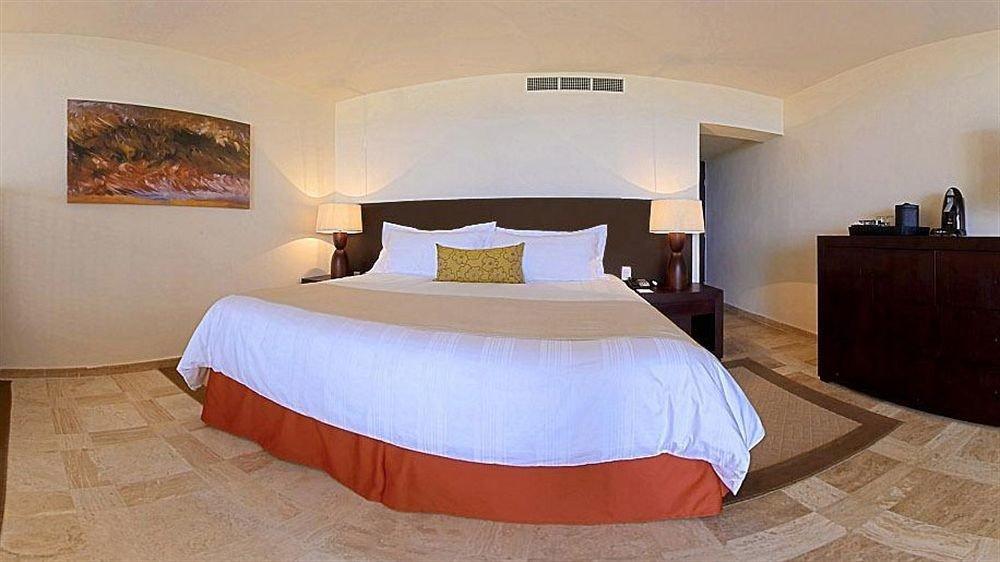 Bedroom Modern Resort Waterfront property Suite cottage bed frame bed sheet