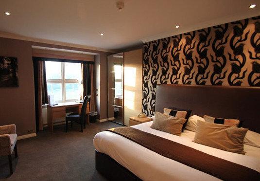property Suite Bedroom Resort living room condominium Modern